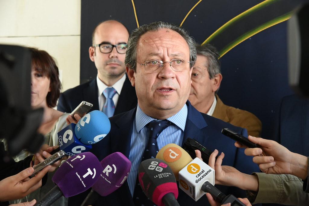 Ruiz Molina Informa A Los Sindicatos Del Recurso Contra La Flickr