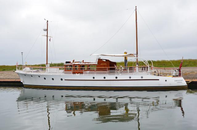 Vlieland - haven - Dunkirk Little Ship Amazone
