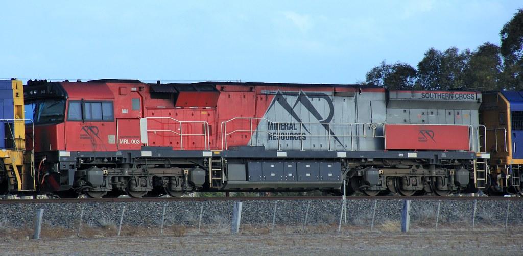 MRL003 on transfer at Dooen by bukk05