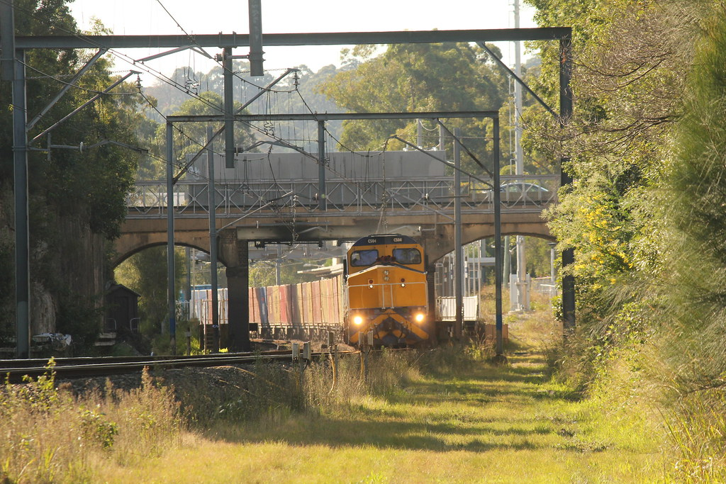Train Coming by james.sanders2