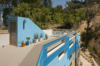 A Roof Deck that Angles to the Different Views | www ...
