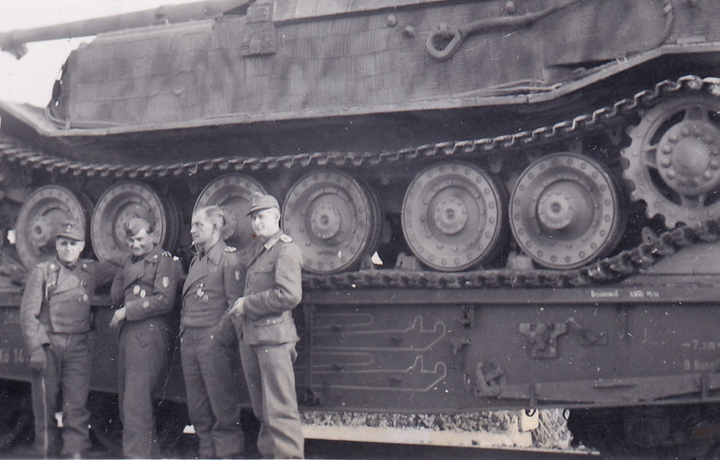 Ferdinand tank destroyer with zimmerit