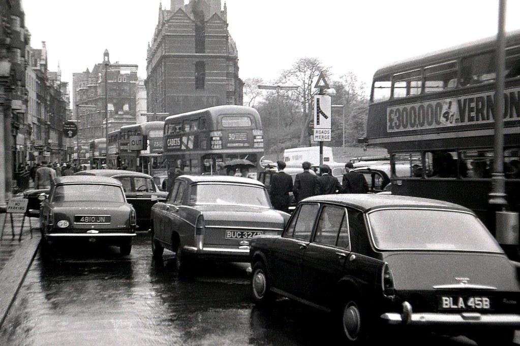 Traffic In Knightsbridge 1960s A Traffic Jam In