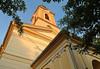 Um 19 Uhr vor der katholischen Kirche, in der eine ökumenische Andacht und ein Kirchenkonzert stattfinden wird.