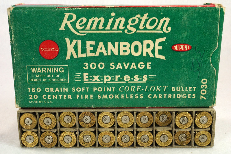 RD14570 Vintage Remington Kleanbore 300 Savage Express 180 Gr. Soft Point Ammo Box with 20 Empty Brass Casings DSC07004