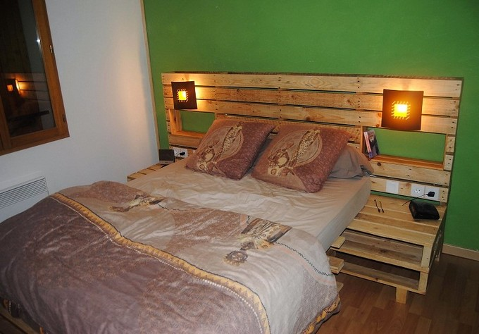 Diy Wooden Pallet Headboard With Shelves Creating Beautifu