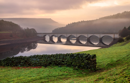 hope england unitedkingdom gb ladybowerreservoir bridge outdoors architecture hills mountain tree structure tranquil nature clouds mist sky sunrise lake water reflections nationalpark peakdistrict bamfordedge winhill wall stone valley scenic canon eos 6dmkii