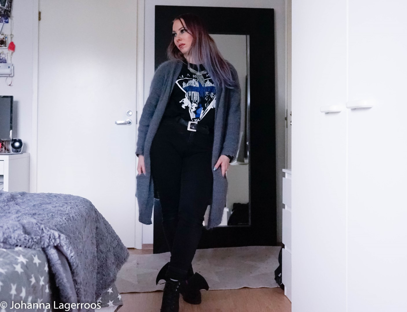 how to style a band tee