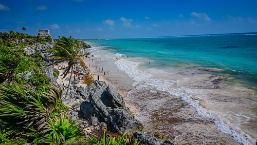 El Castillo and Maya Beach at Tulum Mayan Ruins - Tulum Mexico | by mbell1975