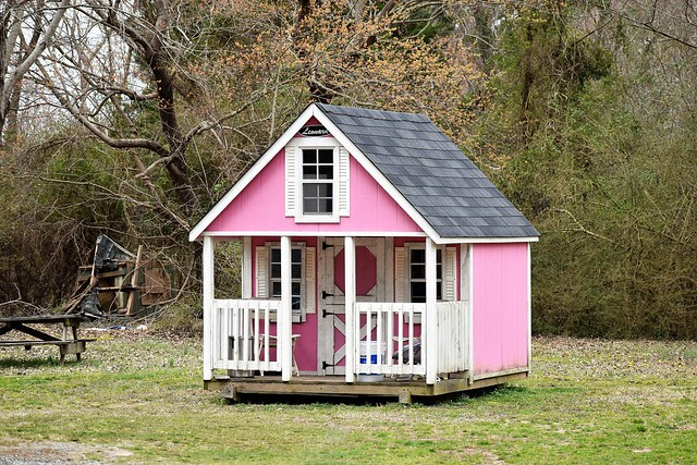 Let's Picnic at the Pretty Pink Playhouse