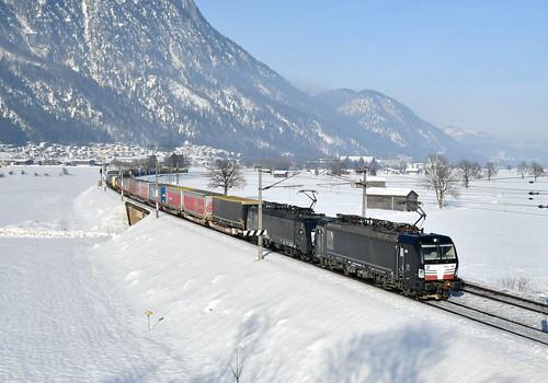 All black MRCE intermodal_193668+189998_Langkampfen, Austria_03 | by DS 90008
