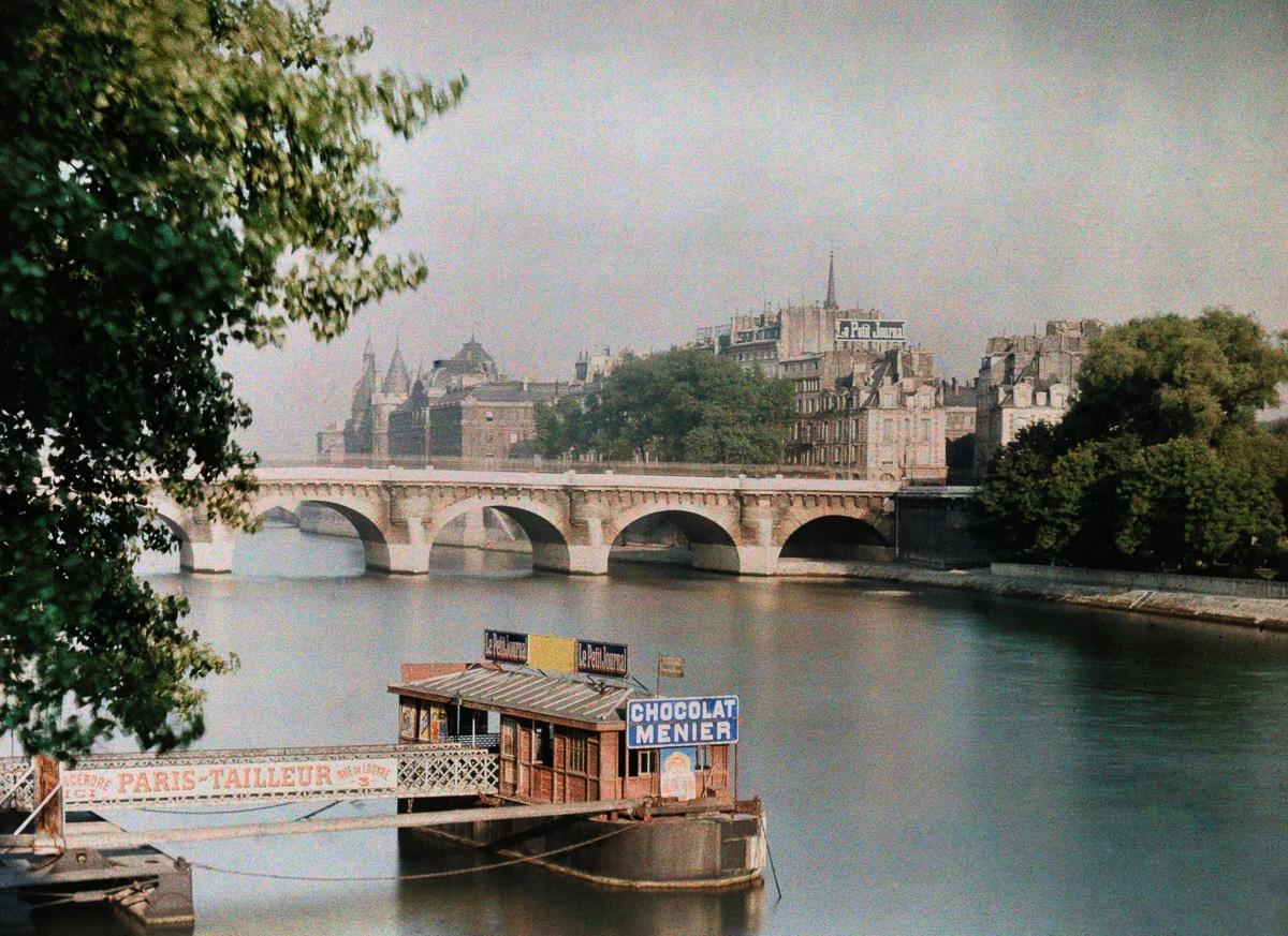 Вид на Сену и мост
