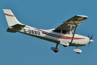G-OBBO , Cessna 182S Skylane  landing at Oxford - London Airport .