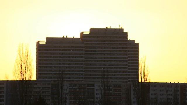 1981/85 Berlin-O. Doppelpunktwohnhochhaus 76mH/25Et. von Wolfgang Ortmann/Hartmut Pautsch Helene-Weigel-Platz in 12681 Marzahn