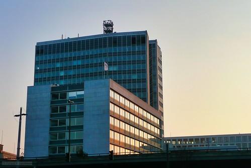 skycraper building skyline architecture sunset reflection bremen city siemens hochhaus hochstrase hpn weserfotograf weserfotografde