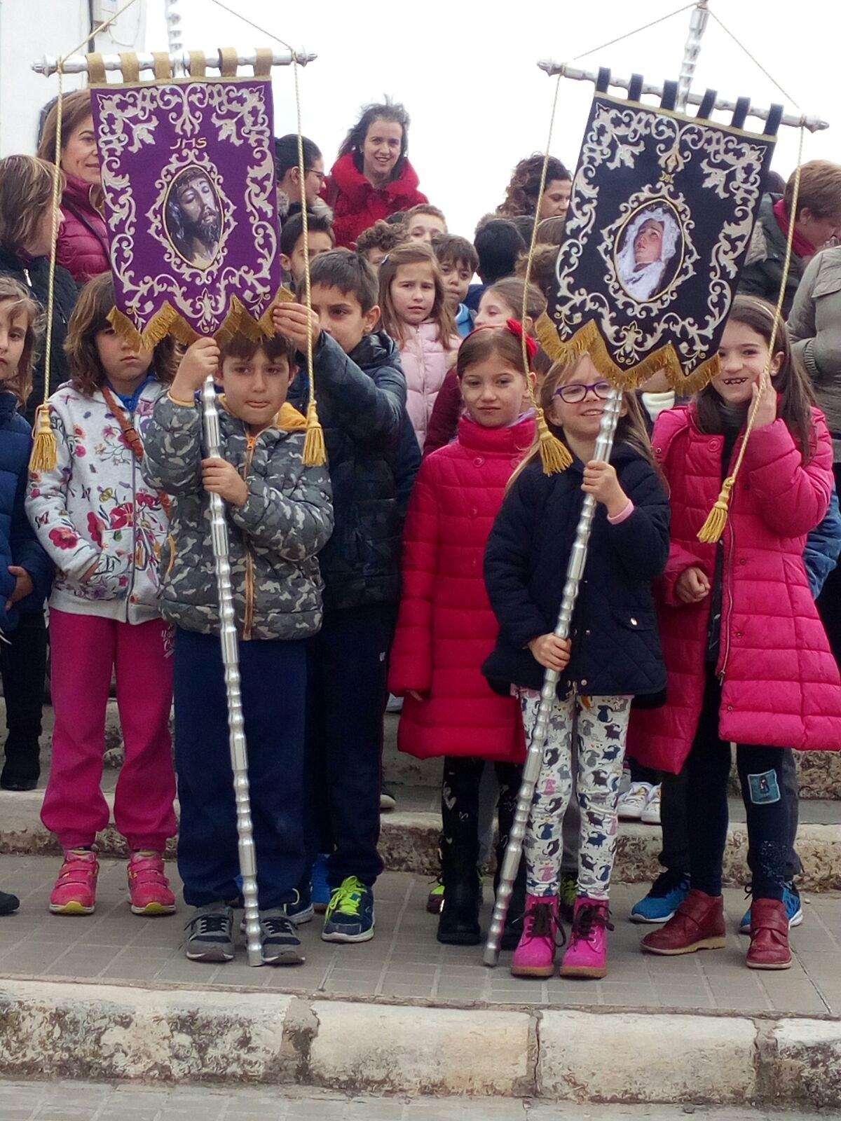(2018-03-23) II Vía Crucis Infantil (Catequistas) (06)