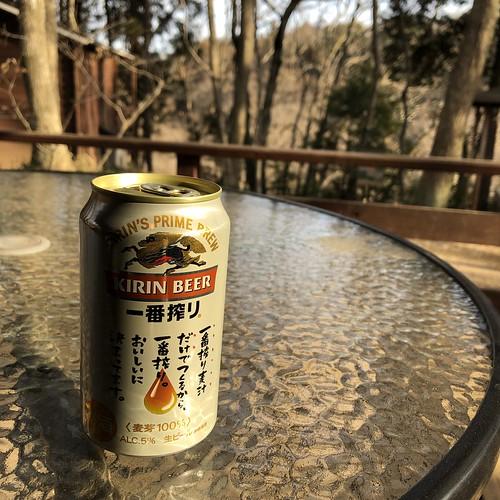 フォンテーヌの森キャンプ場でビール   by Hiroaki Taguchi