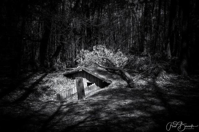 Het Verscholen dorp - The Hidden Village
