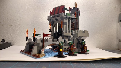 Merlin's beard Christmas set exchange. This is what I built for Ludzik, based on the wolfpack tower. This is my rendering of what it could be today. | by brynjadiss