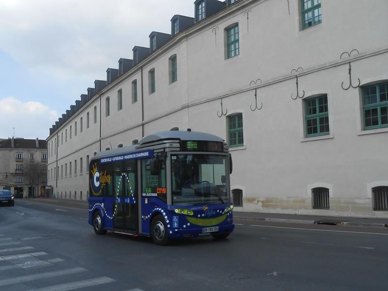Reims bus 46876397214_6c39c0255d_c