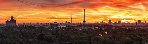 berlin skyline sonnenaufgang sunset sunrise dawn panorama funkturm fernsehturm hauptstadt charlottenburg deutschland europa grunewald morgens teufelsberg drachenberg innenstadt stadt