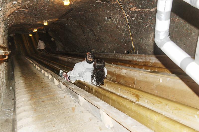 礦坑滑梯 1