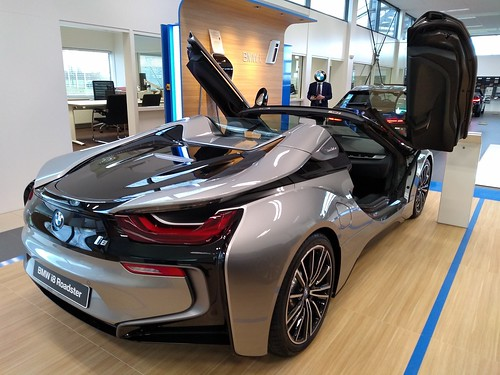 2019 BMW i8 Roadster Photo