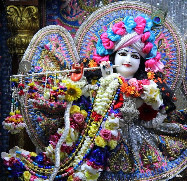 ISKCON Juhu Sringar Deity Darshan on 10th Apr 2019