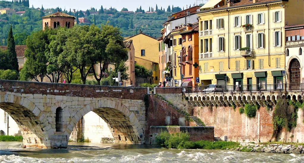 Wandelen lands de Adige rivier, Italië | Mooistestedentrips.nl