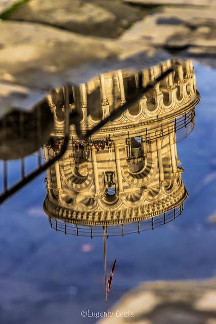 Riflesso in Piazza Dei Miracoli