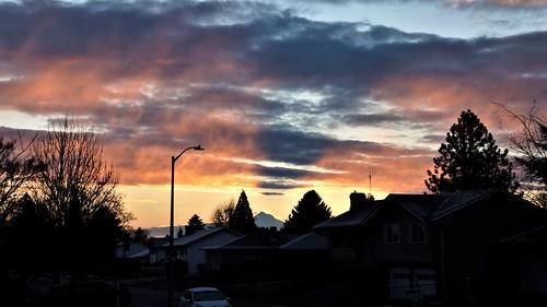 mt hood sunrise pdx portland oregon cloud shadows