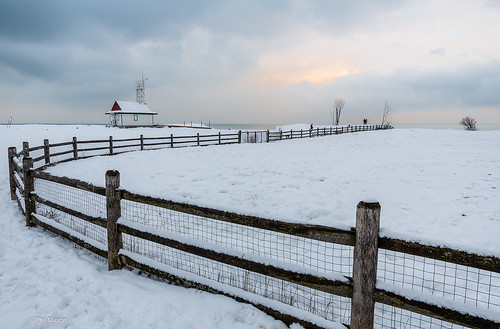 Leuty Lifeguard Station after a new snowfall | by Phil Marion (184 million views - THANKS)