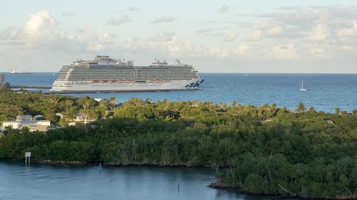 royalprincess fortlauderdale floride usa cruise ship vessel bateau boat