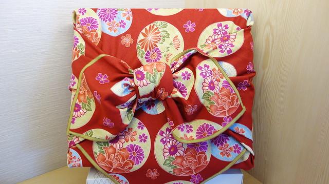 大稻埕:滋養餅舖包裝巾包好的樣子