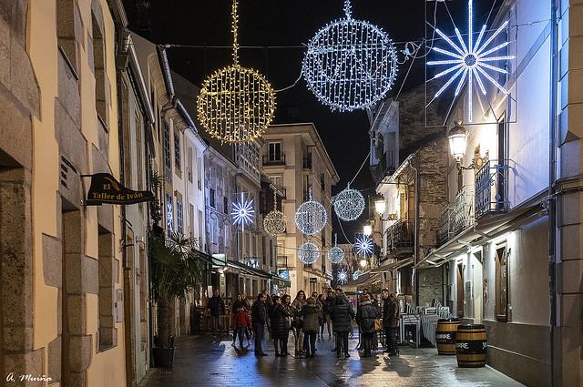 Enjoying Christmas on the street. Disfrutando de la Navidad en la calle