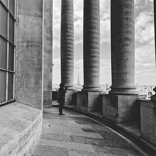#shotoniphone #blackandwhite #parisjetaime #paris #visitparis #france #visitfrance #travel #wanderlust #vsco #vscocam #travelphotography #topparisphoto #seemyparis #topfrancephoto #igersparis #guardiantravelsnaps #guardiancities #explore #découvrirensembl | by travelformotion (more on www.travelformotion.com)