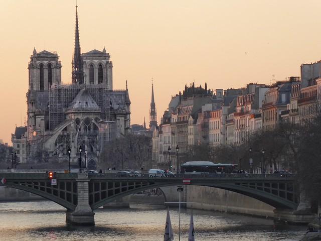 Quai d'Orléans – Pont Sully – Notre Dame