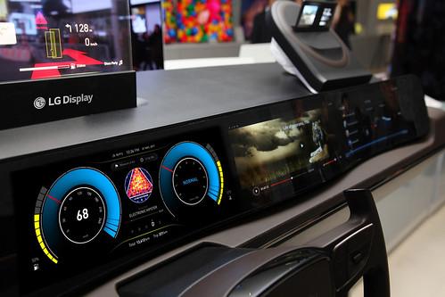 LG디스플레이가 개발한 차량용 디스플레이 시제품 | by LG디스플레이