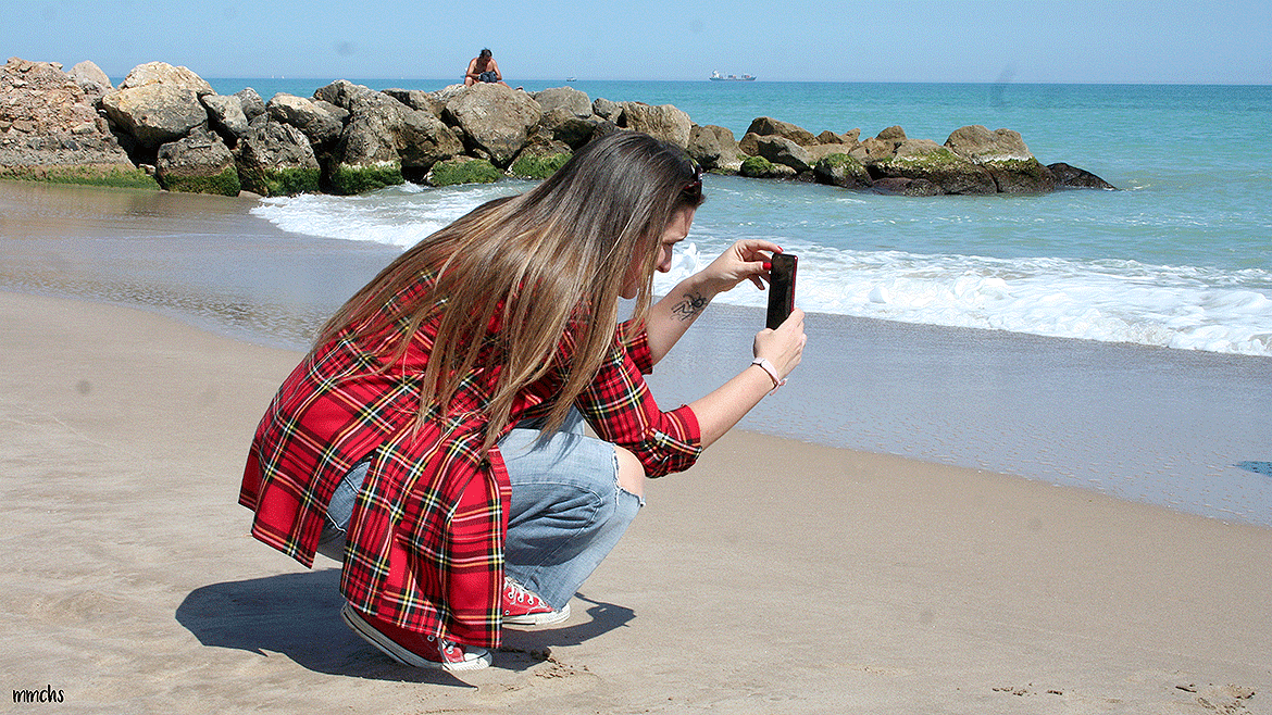 haciendo fotos en la playa del Saler