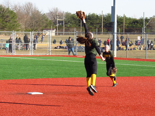 Clearview SS Nina Freda makes a leaping catch of a line drive. | by tedtee308