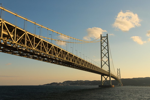 japan kobe maiko bridge sea sunset awajiisland theakashikaikyōbridge thehonshushikokuhighway suspensionbridge pearlbridge 明石海峡大橋 舞子公園 神戸 瀬戸内海 兵庫県 日本 吊り橋 パールブリッジ 本州四国連絡橋 淡路島 hyogoprefecturalmaikopark sky construction architecture building landscape twilight dusk tower water