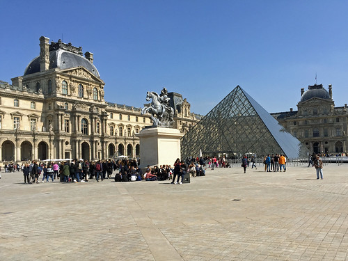 The Louvre | by diamond geezer