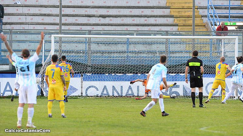 Il gran gol di Sarao in Virtus Francavilla-Catania della stagione 2018/19