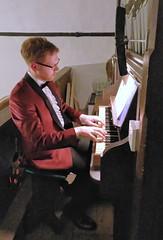 Playing organ 3