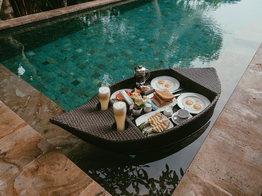 villa cella bella floating breakfast