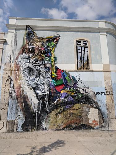 Fox by Lisbon street art along Av. 24 de Julho