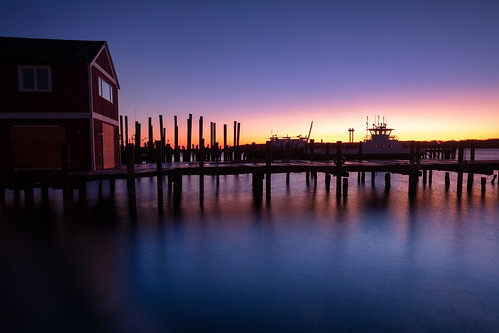 suffolkcounty landscape northfork longisland sky pier sunrise claudios harbor seascape barbabianca peconicbay greenport longexposure explore