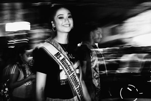 meljoesandiego fuji fujifilm x100f streetphotography flash slowshutter candid monochrome philippines