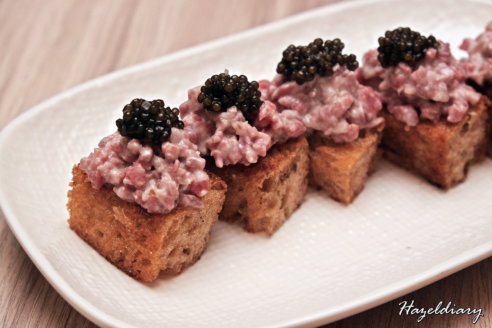 One-Ninety Four Seasons Hotel Singapore-Snacks Beef Caviar