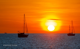 Sunset with yachts & catamarans on Nai Harn beach, Phuket, Thaialnd           XOKA0327b2s | by Phuketian.S